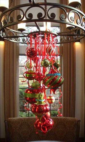 Decorating Ideas > Its Written On The Wall See 7 Different Christmas  ~ 035752_Christmas Decorations Ideas For Chandeliers