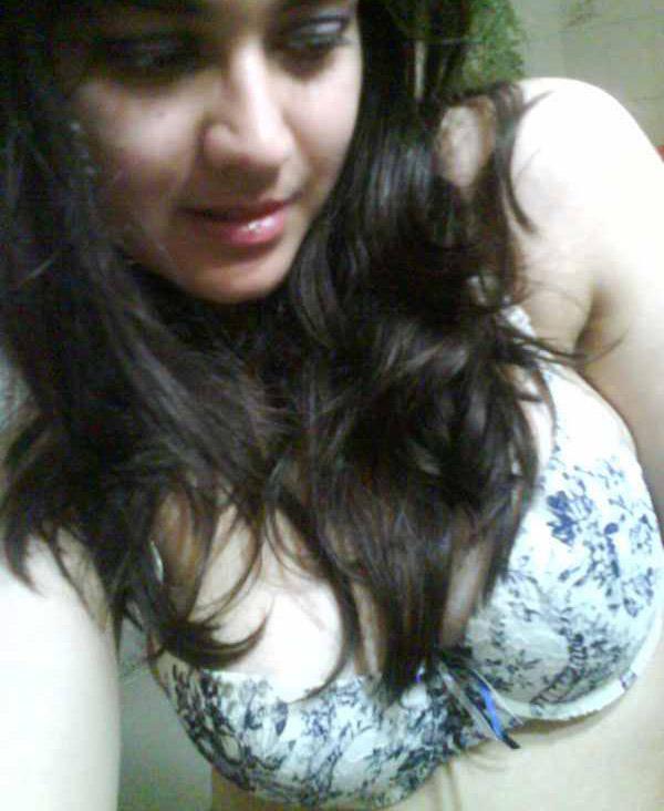 length-kerala-collage-girl-big-bobbs-pussy