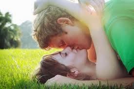 كيف يكون الجنس تحت مظلة الحياة الزوجية مشبعا ومرغوبا