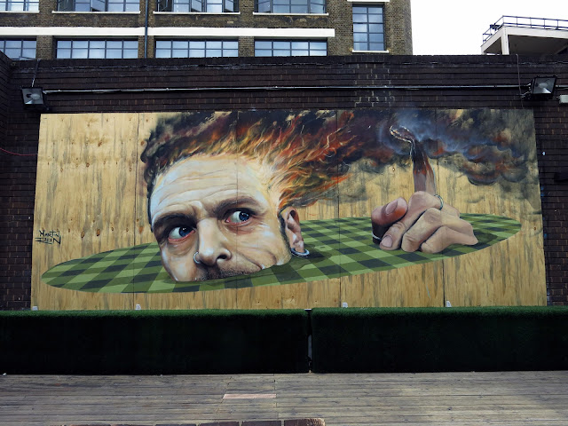 Martin Ron has landed in the UK where he already spent a few hours to create a new piece on the streets of London.