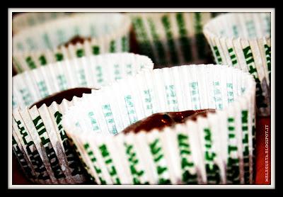 impasto dei muffin nei pirrottini in attesa di essere cotti