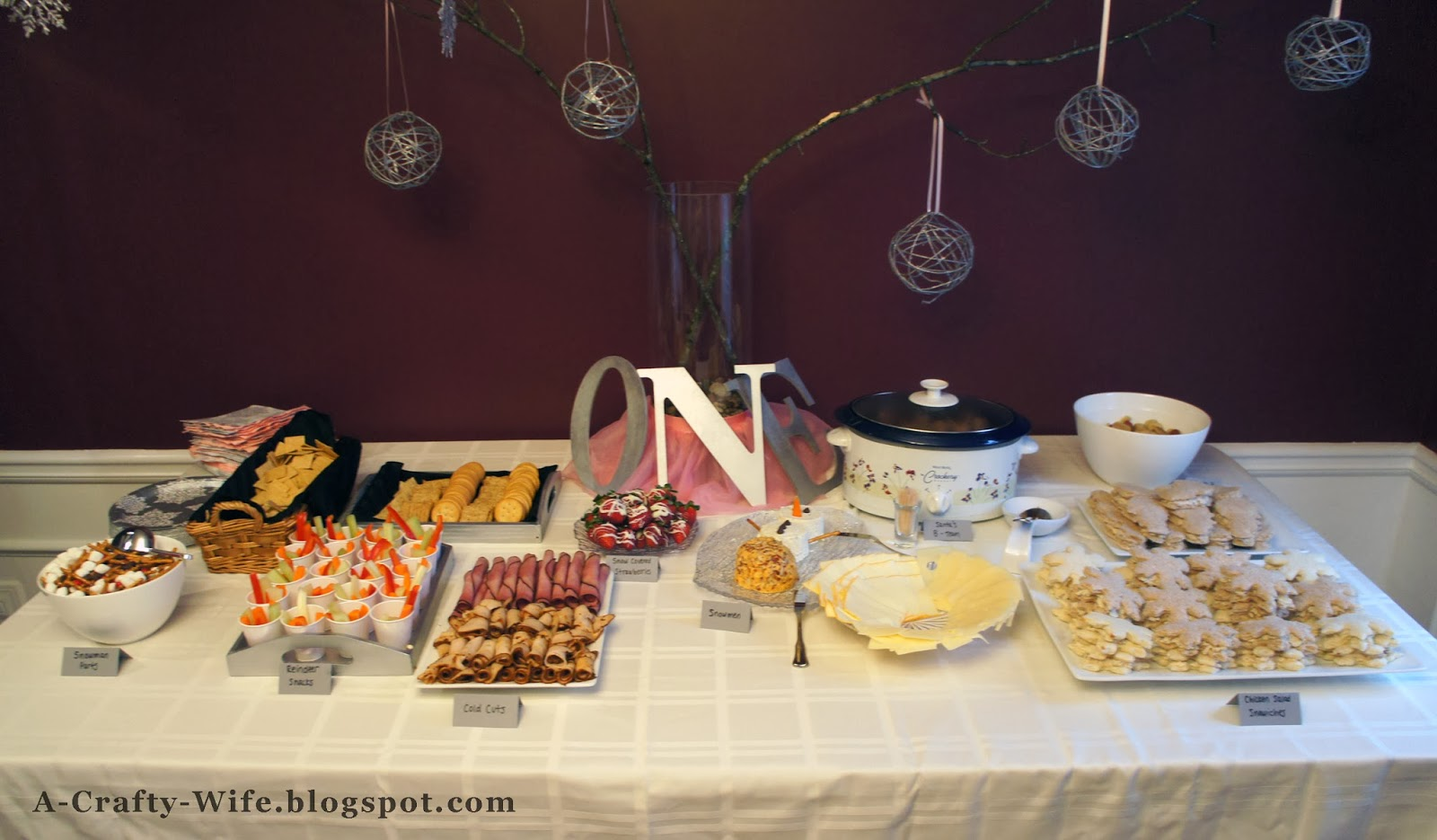 Winter ONEderland first birthday party food spread ideas | A Crafty Wife