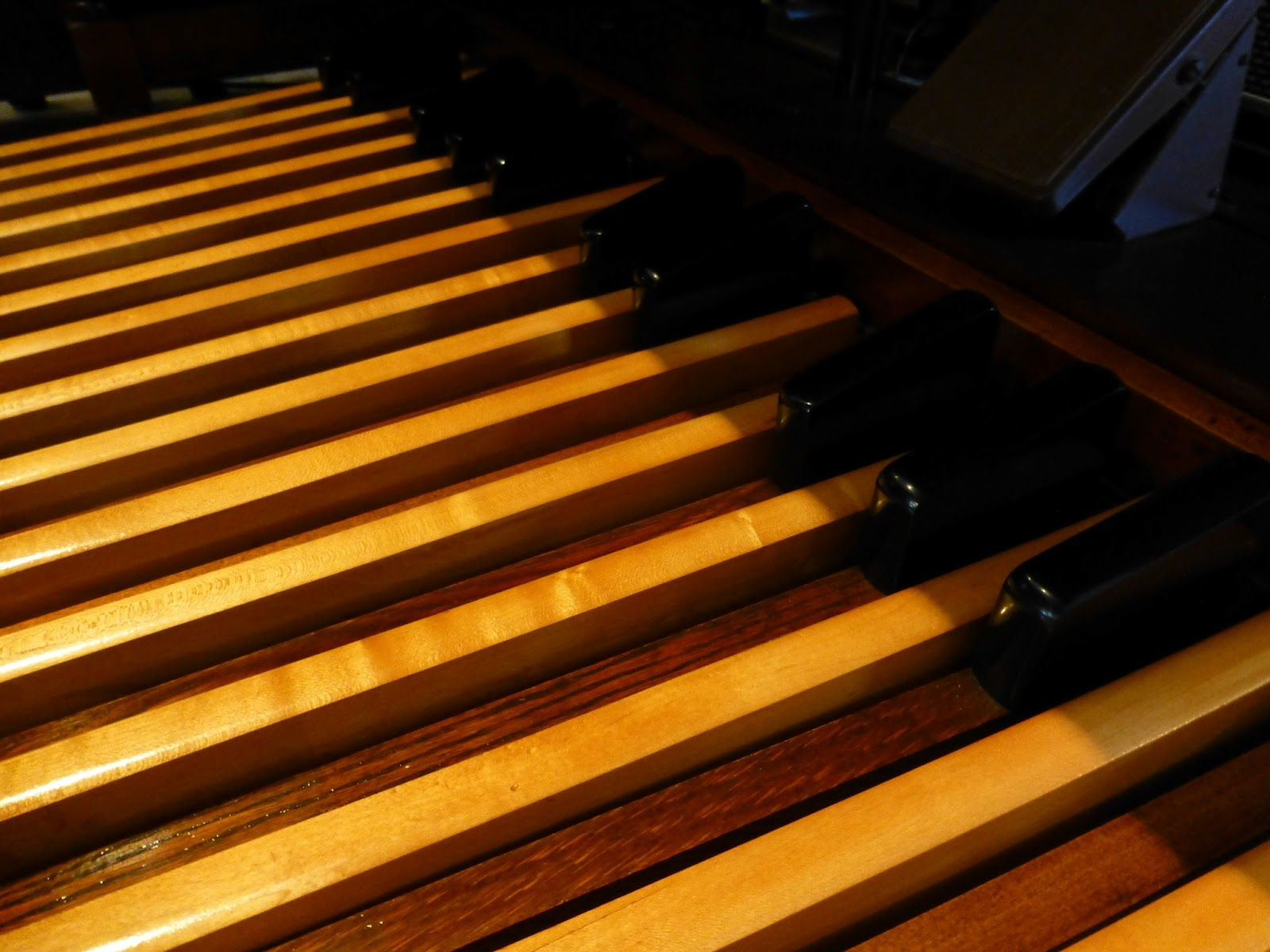 Hammond B3 - pedals