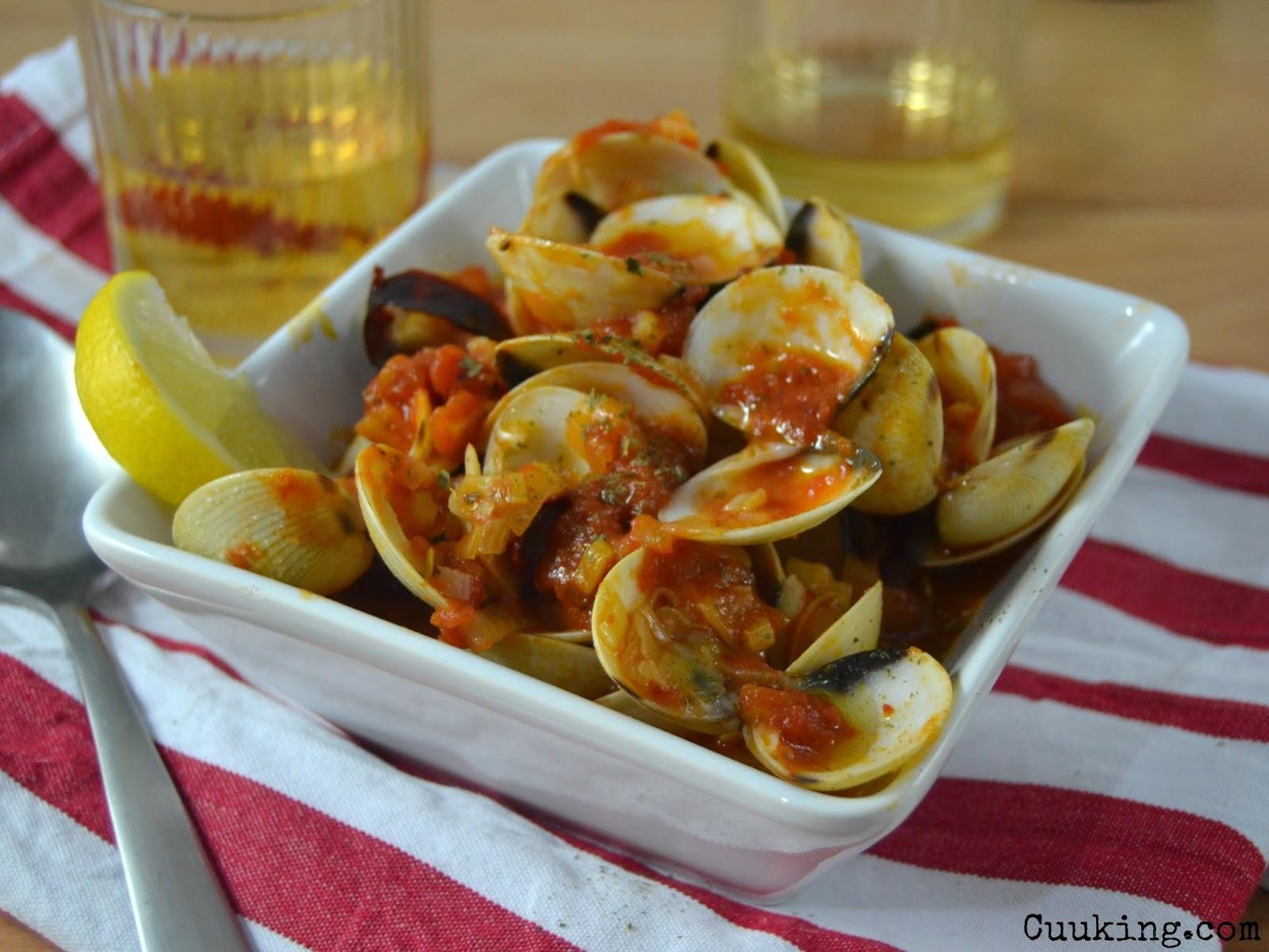 Almejas a la marinera con tomate cuuking recetas de cocina for Como cocinar almejas