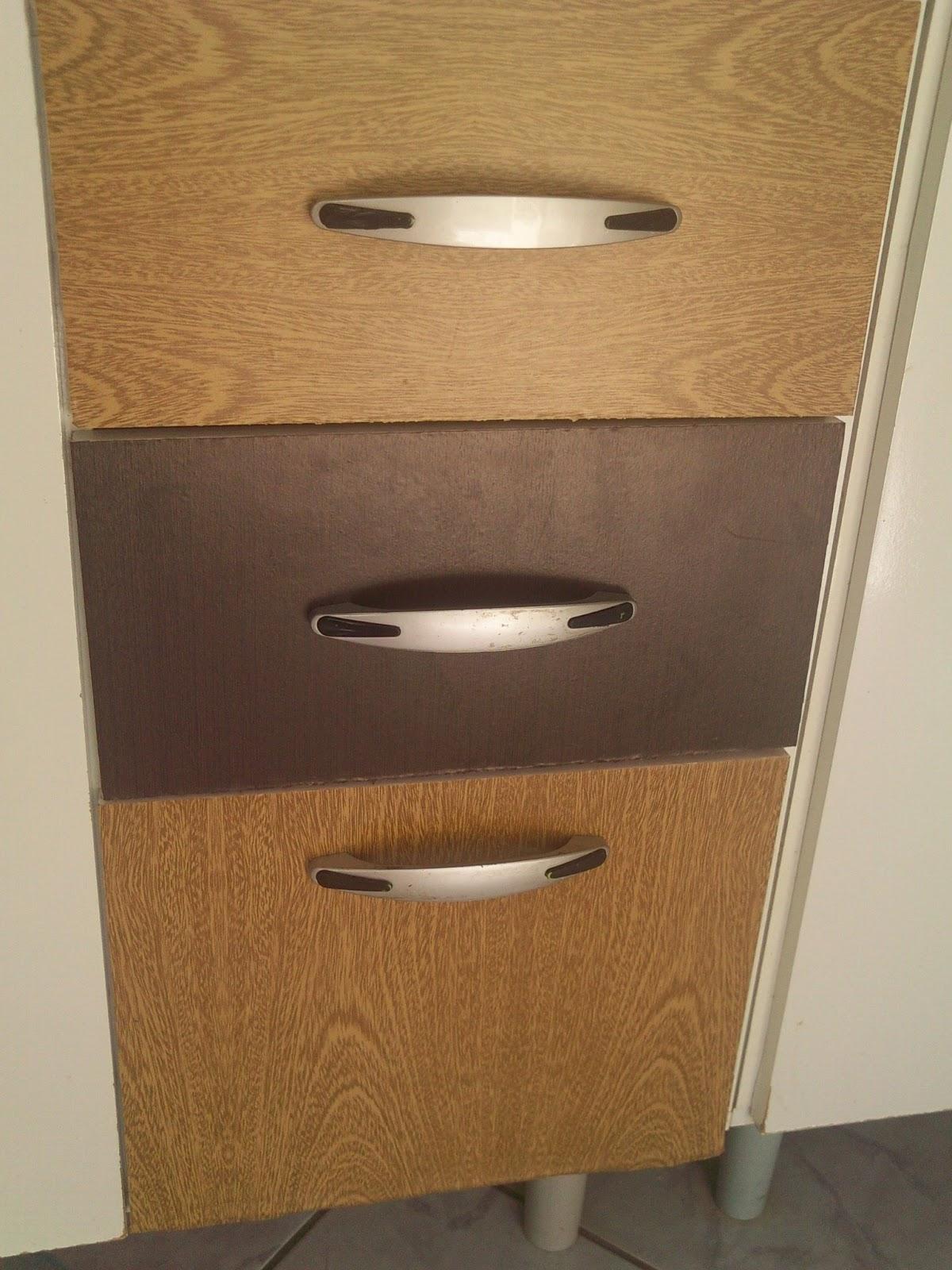 eu fiz de duas cores um Contact madeira marrom claro e outro madeira  #8D673E 1200x1600