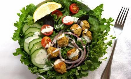 7 Quick and Easy Protein-Packed Vegan Lunches - salade - سلطة خضراء