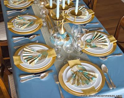 decoracion mesa Navidad dorado y azul con papel