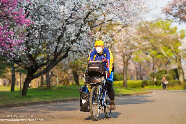 KHSジャパンの自転車に乗る立松正宏