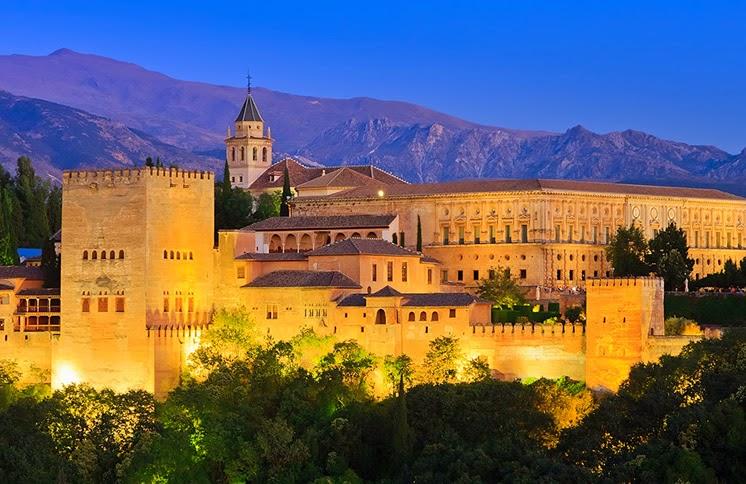 قصر الحمراء بإسبانيا