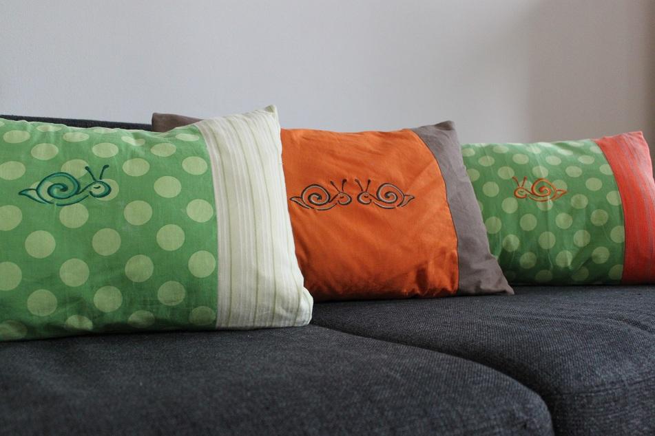 frau w ab auf 39 s sofa. Black Bedroom Furniture Sets. Home Design Ideas