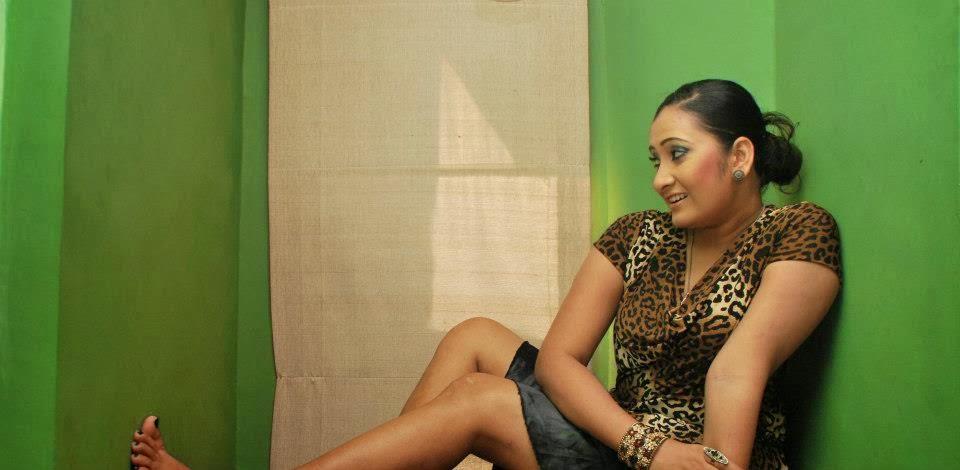 Madu Nithyani hot sexy legs