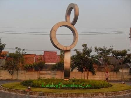 Monumen Simbol Taman Wisata Regency