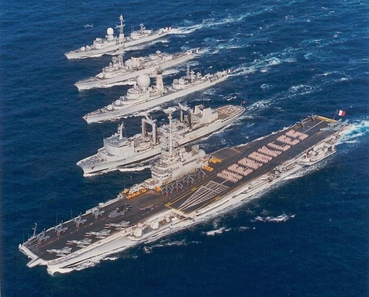 Service militaire 1957 1960 bord du p trolier ravitailleur la ba se les navires rencontr s - Liste des porte avions americains ...