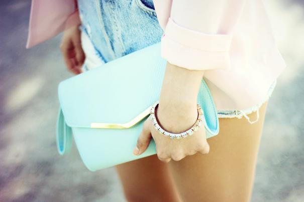 pastel colors outfit