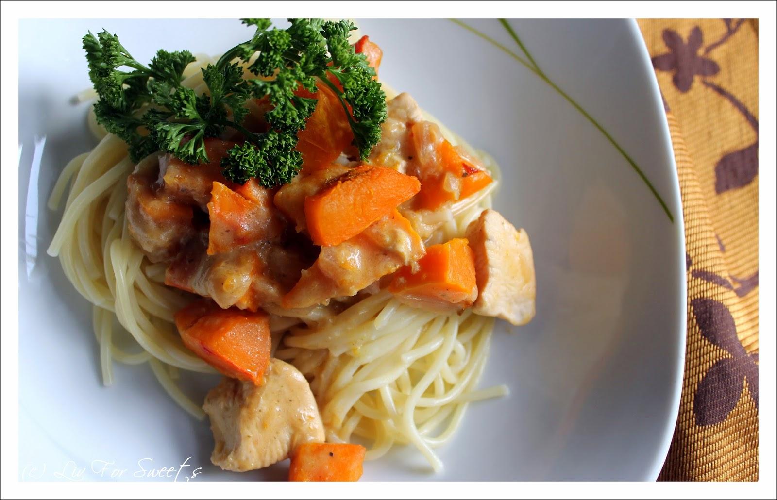 Rezept für Spaghetti mit Kürbis-Hähnchen-Frischkäsesoße