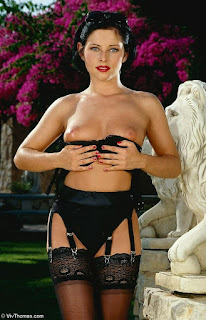 Sexy bitches - rs-VivThomas_Vera---brunette-in-a-red-dress_Vera-A_by_Viv-Thomas_high_0009-754610.jpg