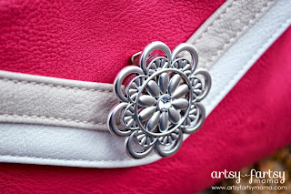 Grace Adele bag with Marguerite Medallion Clip-On