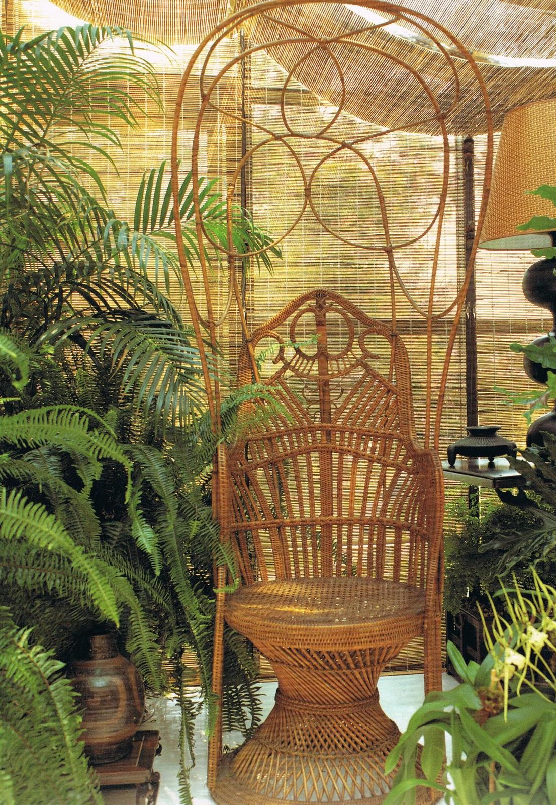 http://3.bp.blogspot.com/-ckKgCIuPK10/TqY6Q6qg81I/AAAAAAAABiw/1auSsCOwago/s1600/peacock+chair.jpg
