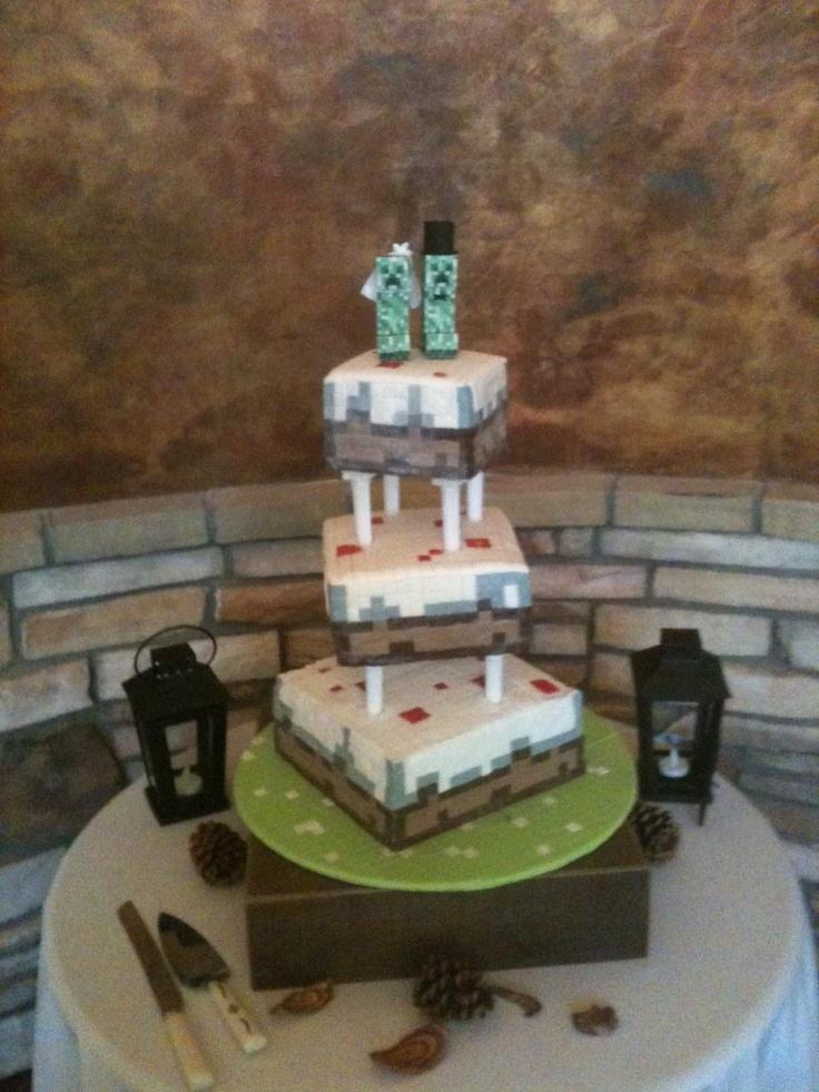Cake Ideas Minecraft : Minecraft creeper 3 tier wedding cake idea