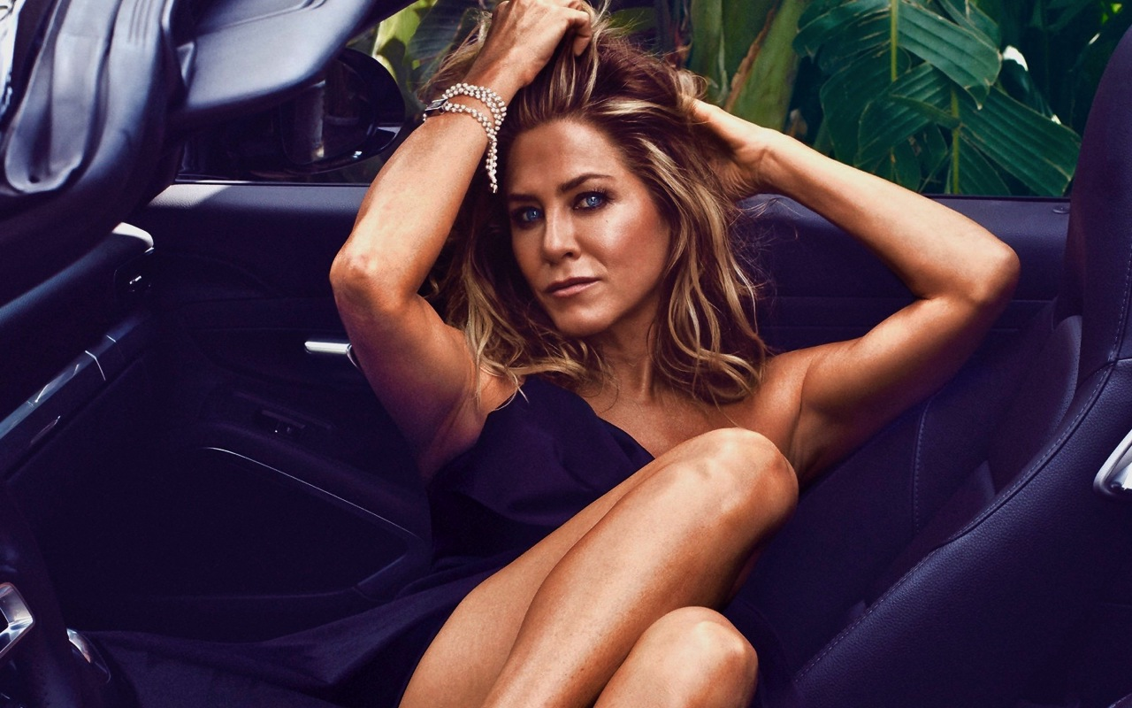 Jennifer Aniston: Life and Career