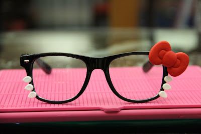 Hello Kitty cute black glasses