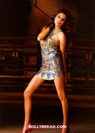 anushka sharma Legs - Creating a perfect Heroine from different Bollywood babes