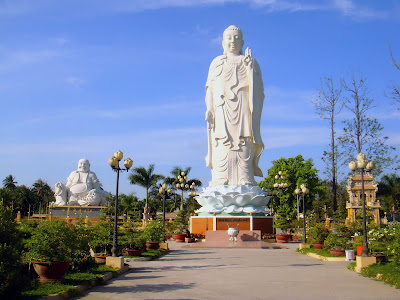 Statues in the gardens of the Vinh Trang Pagoda
