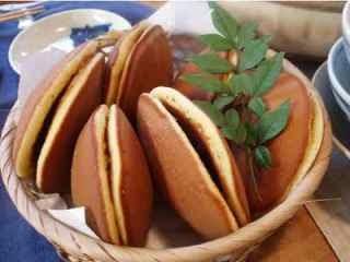 Cara Membuat Dorayaki isi Coklat dan Keju