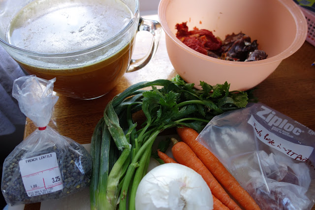 http://www.farmfreshfeasts.com/2012/11/french-green-lentil-soup-and-how-to.html