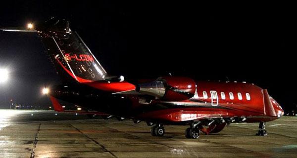 HAMILTON berharap jet Bombardier CL-600 akan memudahkan hubungan jarak jauhnya dengan Nicole.