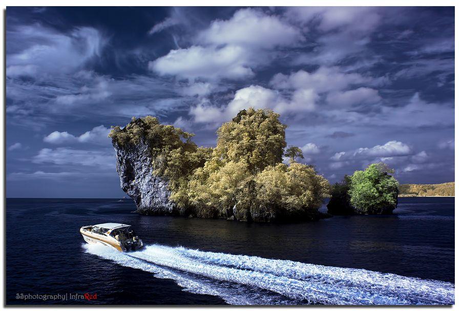 28. Phi Phi Islang by Su Seng Lim