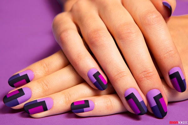 A Step-by-Step Guide for DIYing This Chic Mod Manicure