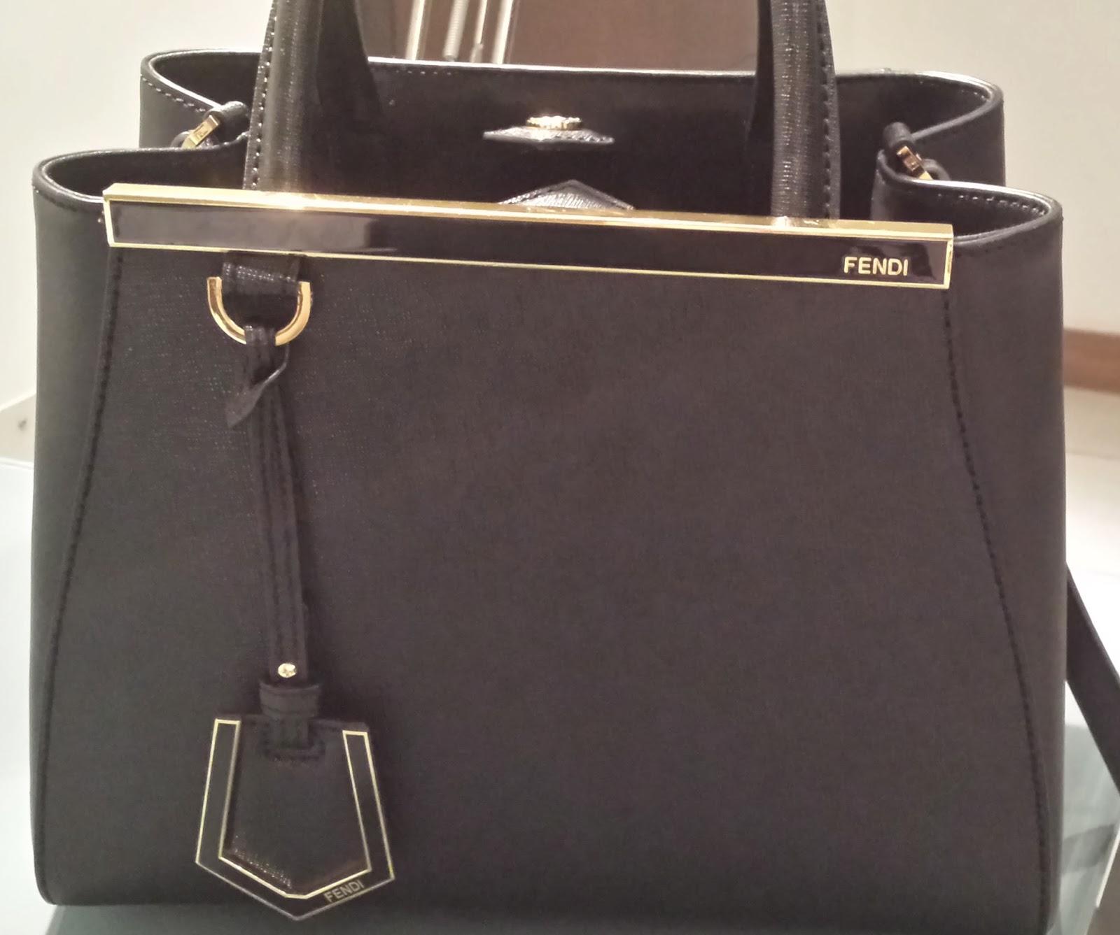 Lavalier Dubai  Real vs. Fake  Fendi 2Jours Petite Leather Shopper db23a8c2c4