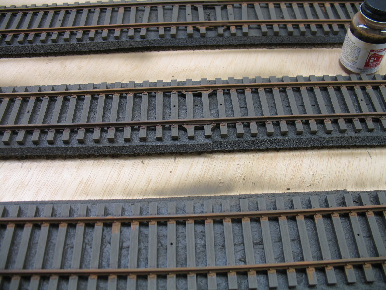 how to clean o gauge rusty tracks