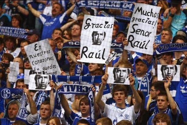 Raul Gonzalez Blanco Schalke 04 Real Madrid despedida foto en el palco imagen