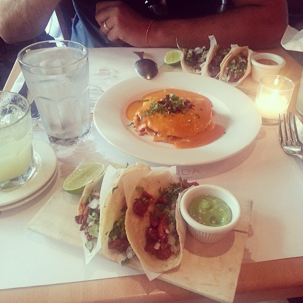 Delicious Mexican dishes from Fonda Manhattan  |  *sparklingly  |  Tacos and tortillas and tequila, oh my!