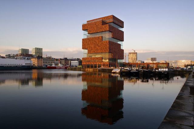 01-Museum-aan-de-Stroom-by-Neutelings-Riedijk-Architects