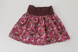 http://www.debonteboom.be/stoffen-makower-katoen-signature-roze.html