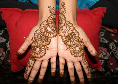 Stylish mhendi designs 2013 pics photos pictures images bail mehndi bail mehndi designs thecheapjerseys Image collections