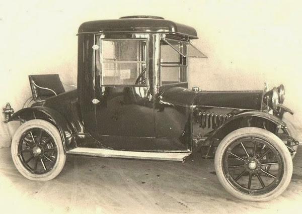 1913 Hupmobile
