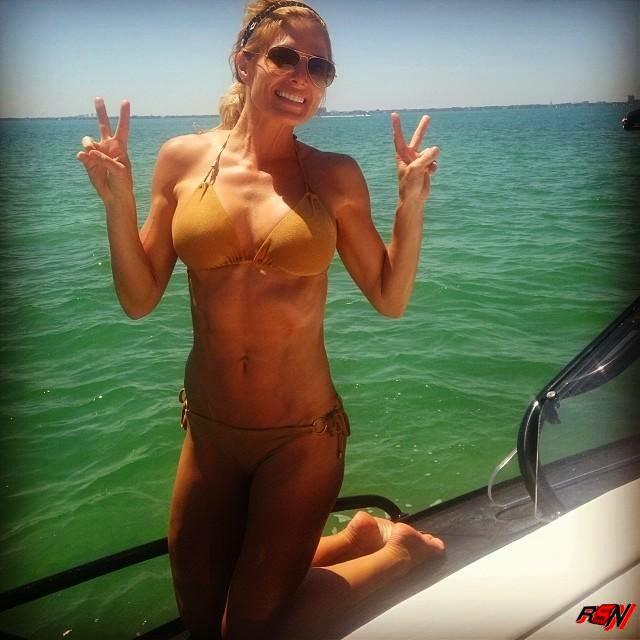 Latest Photo Of Former WWE Diva Torrie Wilson Showing Bikini Body.