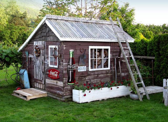 Atelier tapera urbana uma casa com marca registrada for Garden shed jokes