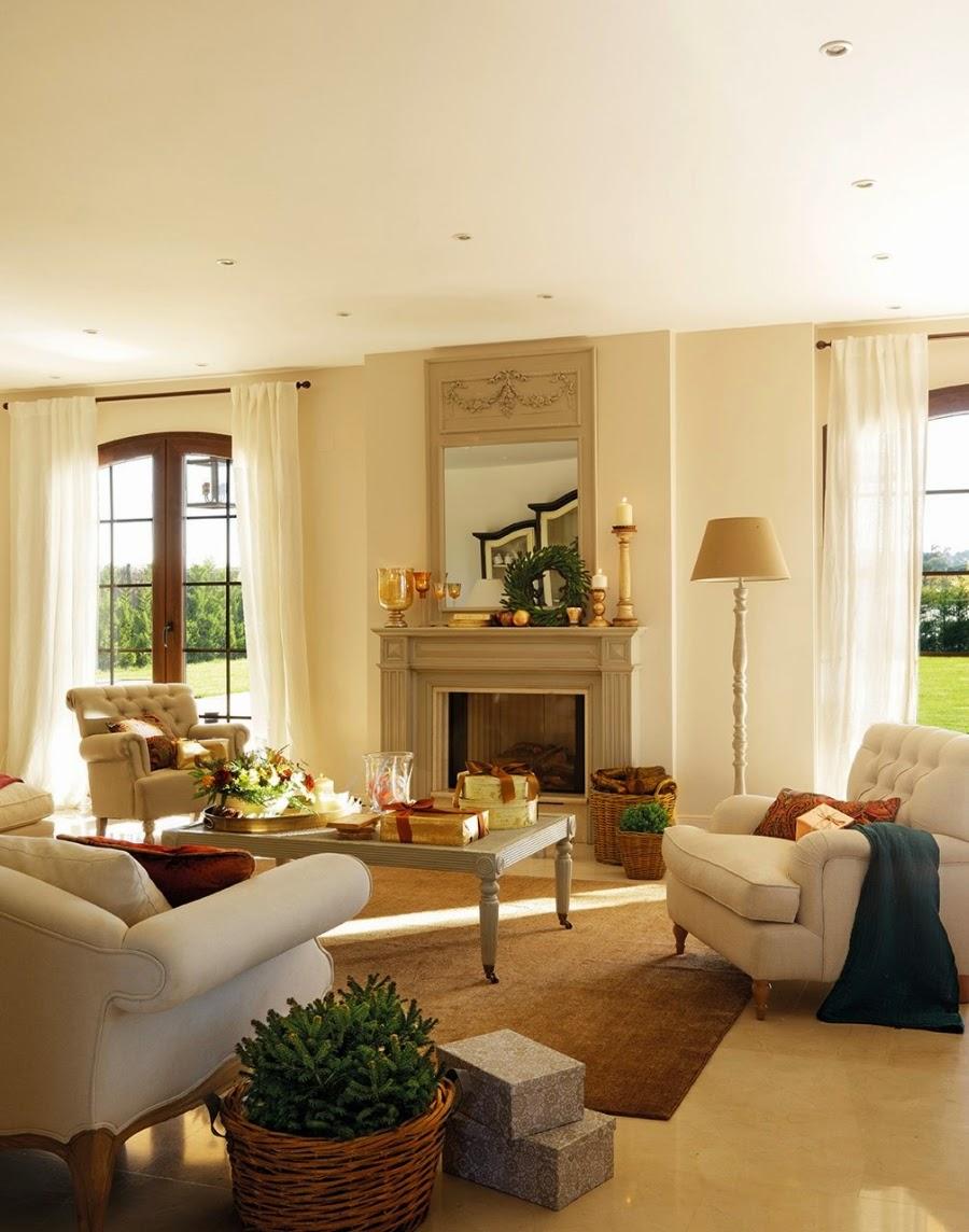 wystrój wnętrz, home decor, wnętrza, urządzanie domu, mieszkanie, Święta Bożego Narodzenia, Christmas, styl francuski, stare złoto, glamour, choinka, ozdoby świąteczne, kominek, dekoracja stołu, salon