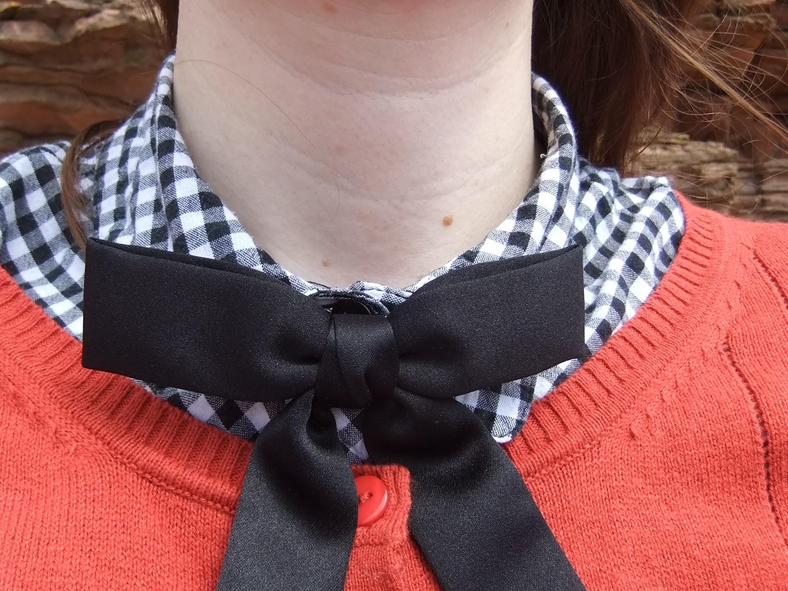 Porcelina Kentucky Tie