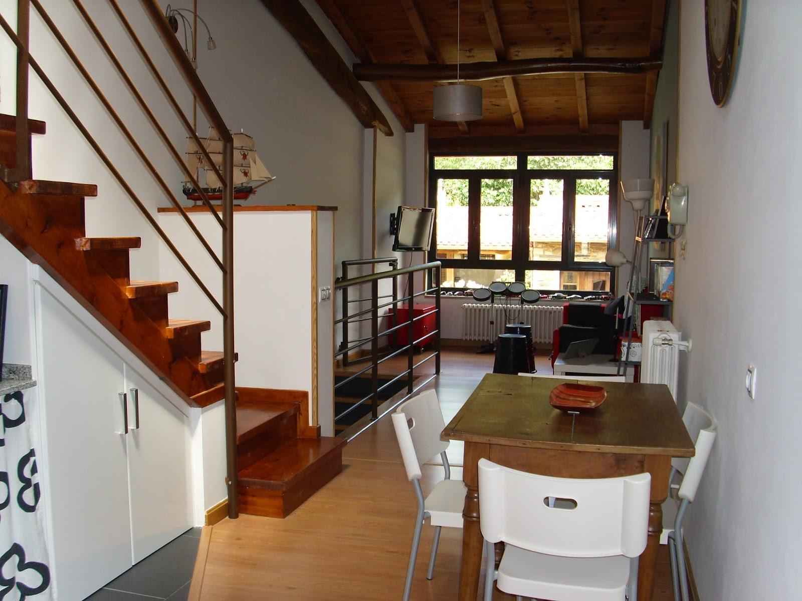 Gloria vintage la casa de mi hijo for Escalera de cocina