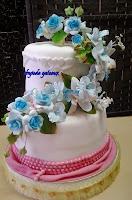 2 stack fondant cake