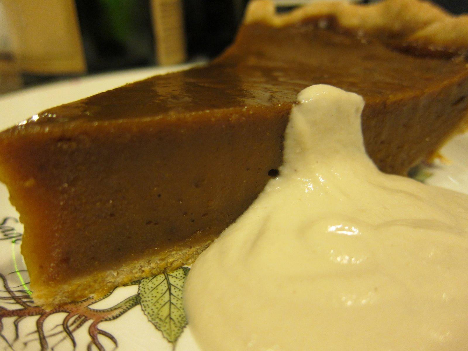 WholeFoodVegan: Max's Birthday Pumpkin Pie with Maple Cream