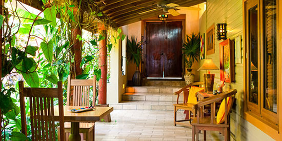 Romantic covered walkway - dinner for two?