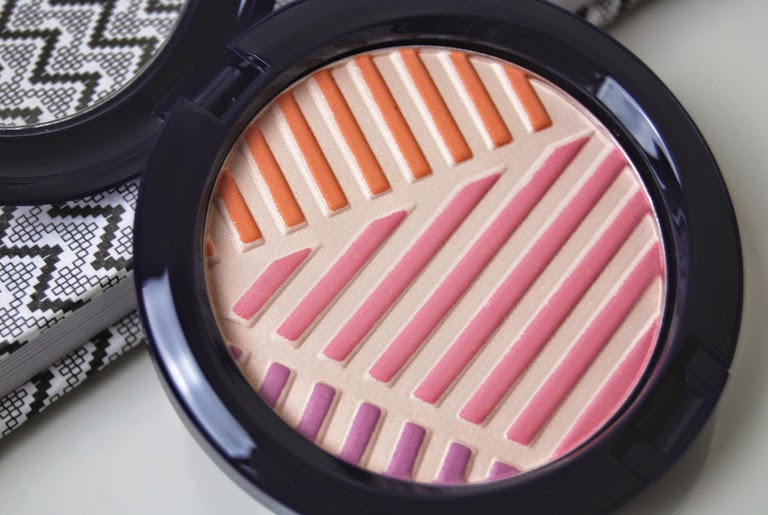 MAC Crew Highlighter from Hey Sailor Collection