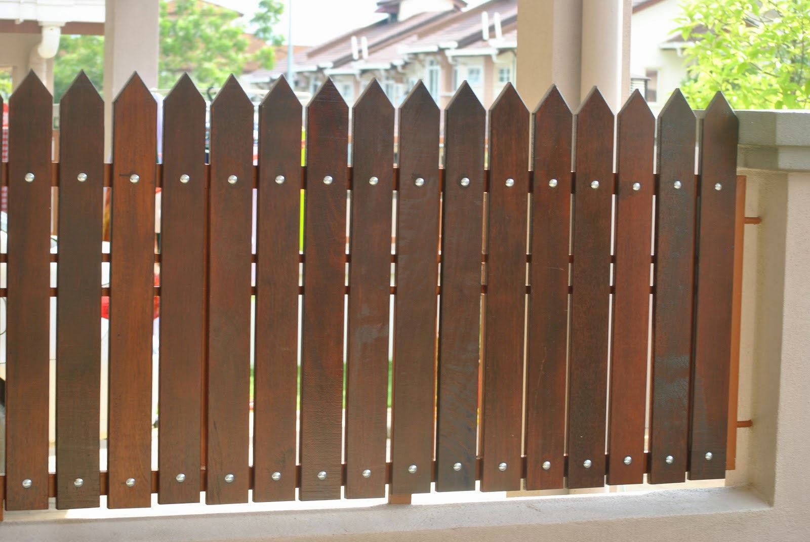 Fence-Minimalist-Home-From-Wood-Model-Minimalist